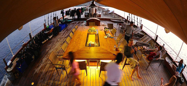 Amazing Mutiara Laut Phinisi Luxury Boat