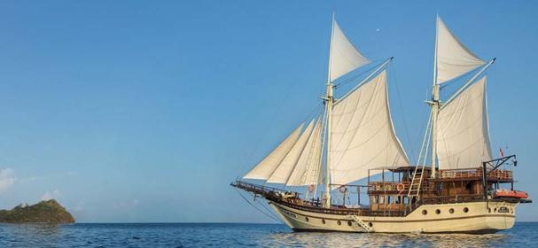 Plataran Felicia Phinisi Boat