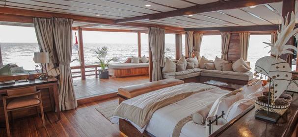 Prana Komodo Phinisi Boat