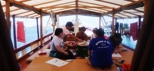 Queenesia Boat Charter