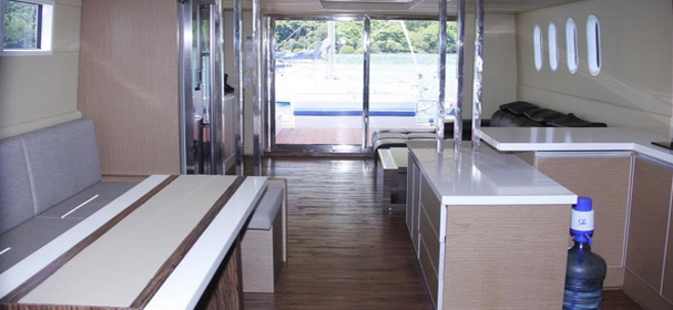 Rangga Alo Luxury Boat