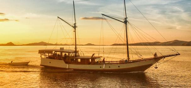 KM Samara II Phinisi Boat