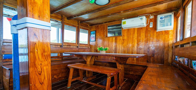 Tatawa Liveaboard Restaurant