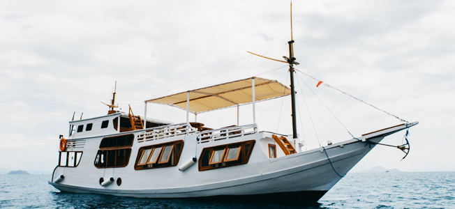 White Pearl Phinisi Boat