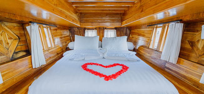 White Pearl Liveaboard Accommodation