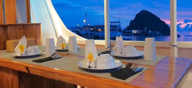 White Pearl Liveaboard Restaurant