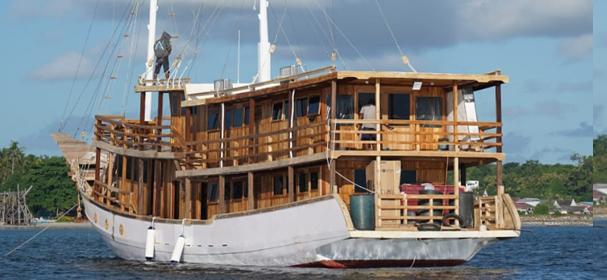 KM Ciela Komodo Boat