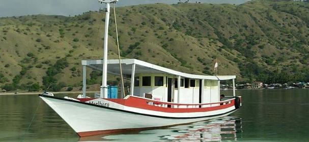 KM Marlboro Komodo Boat