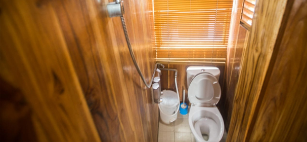 Salakanagara Boat Bathrooms